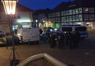 Riesiger Polizeieinsatz für friedliche Spaziergänger – Die Zweite